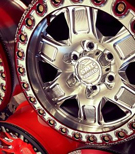 rs-1_beadlock_side_30_close_custom_red_powdercoat_smt_american_forged_off_road_forged_aluminum_wheels